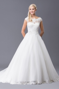 Lucina £995 | Wedding Dresses | Perfection Bridal Swansea