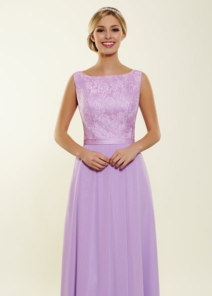 Berry - Classic gown with lace bodice and box pleats